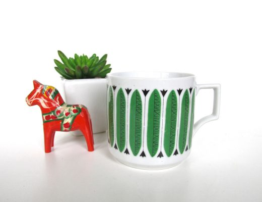 scandinavian-style-graphic-mug