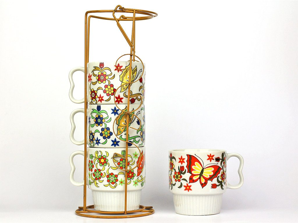 vintage-stacking-mugs