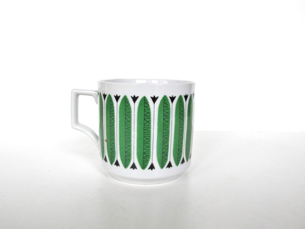 green-graphic-mug